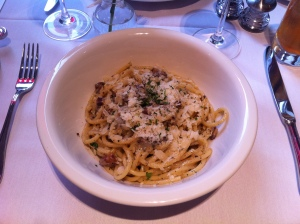 Spaghetti alla carbonara at Ikram