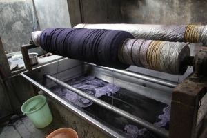 Dying cloth