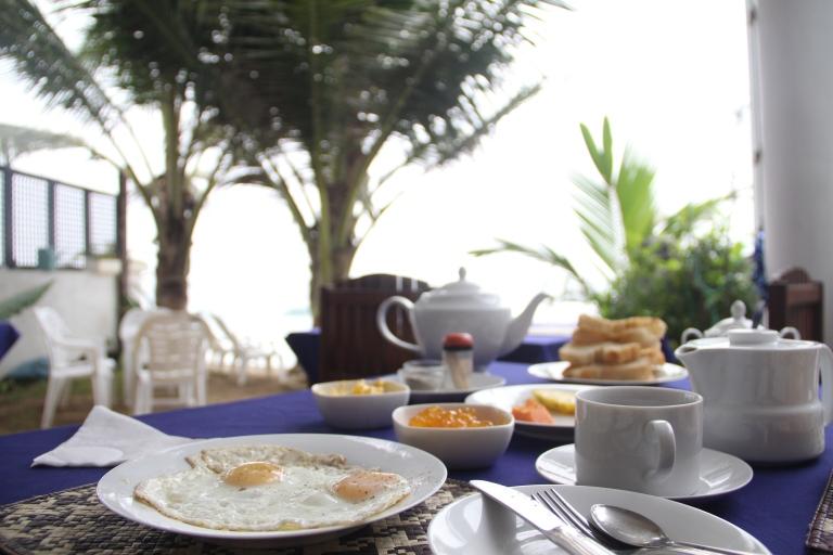 Breakfast at Unawatuna Beach